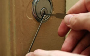 Door locks Willenhall